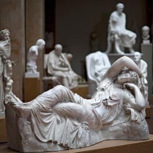 Statue der Schlafenden Ariadne im Museum für Abgüsse Klassischer Bildwerke München.