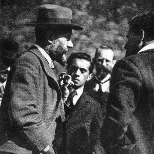 Max Weber im Gespräch auf Burg Lauenstein im Frankenwald (1917