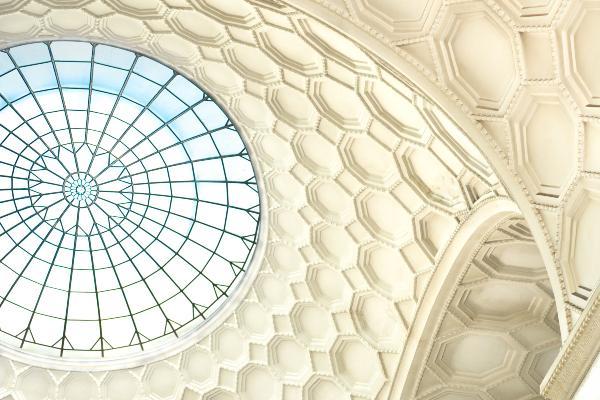 Foto der Glaßkuppel im Lichthof des LMU Hauptgebäudes