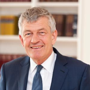 Porträt von LMU-Präsident Prof. Dr. Bernd Huber