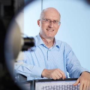 """Prof. Dr. Thomas Bein (Lehrstuhl für Physikalische Chemie), Sprecher des Exzellenzclusters """"e-conversion"""""""