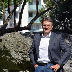 Portrait photograph of Prof. Dr. Ralf Ludwig.