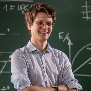 Dr. Fabian Grusdt