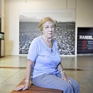 Eva Schloss 2012 im Apartheid Museum in Johannesburg.