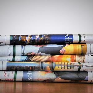 Zeitungsstapel | www.pixabay.com/kalhh