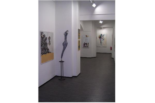 Mit einer Ausstellung von Sven Kalb öffnete die neu gegründete UniGalerieLMU im Juni 2008 erstmals ihre Pforten für die Öffentlichkeit.