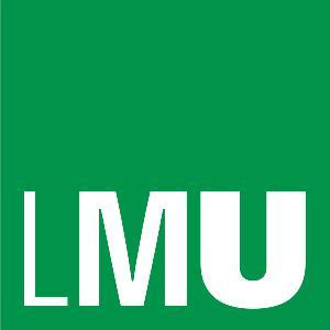 LMU-Schriftzug auf grünem Hintergrund