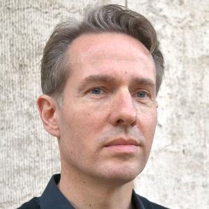 Porträt von Dr. Florian Schultz-Pernice